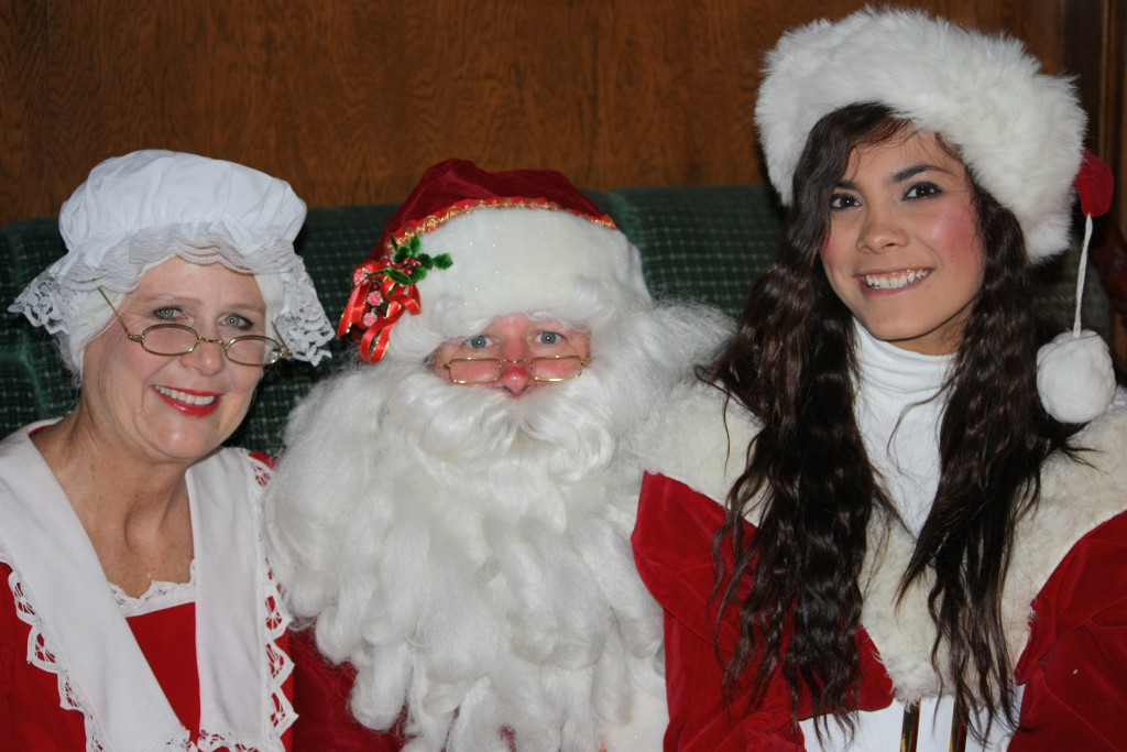 santa and mrs claus pix's